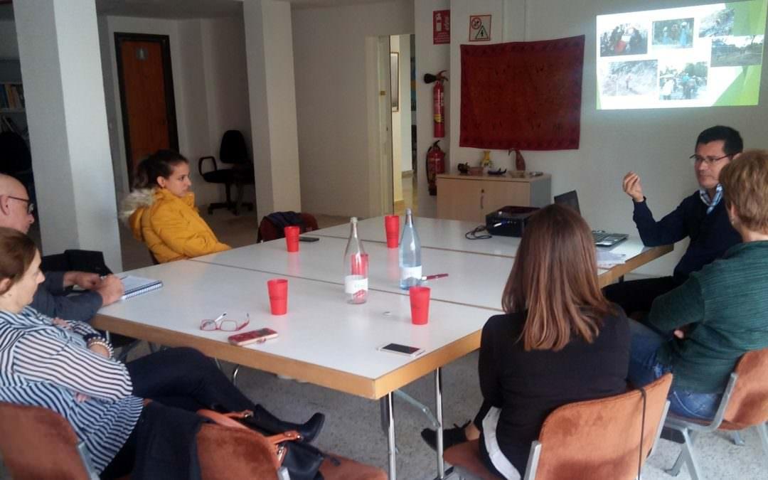 Dous representantes de ACUA estiveron en Ibiza co obxetivo de presentar o traballo que desenvolve a súa organización.
